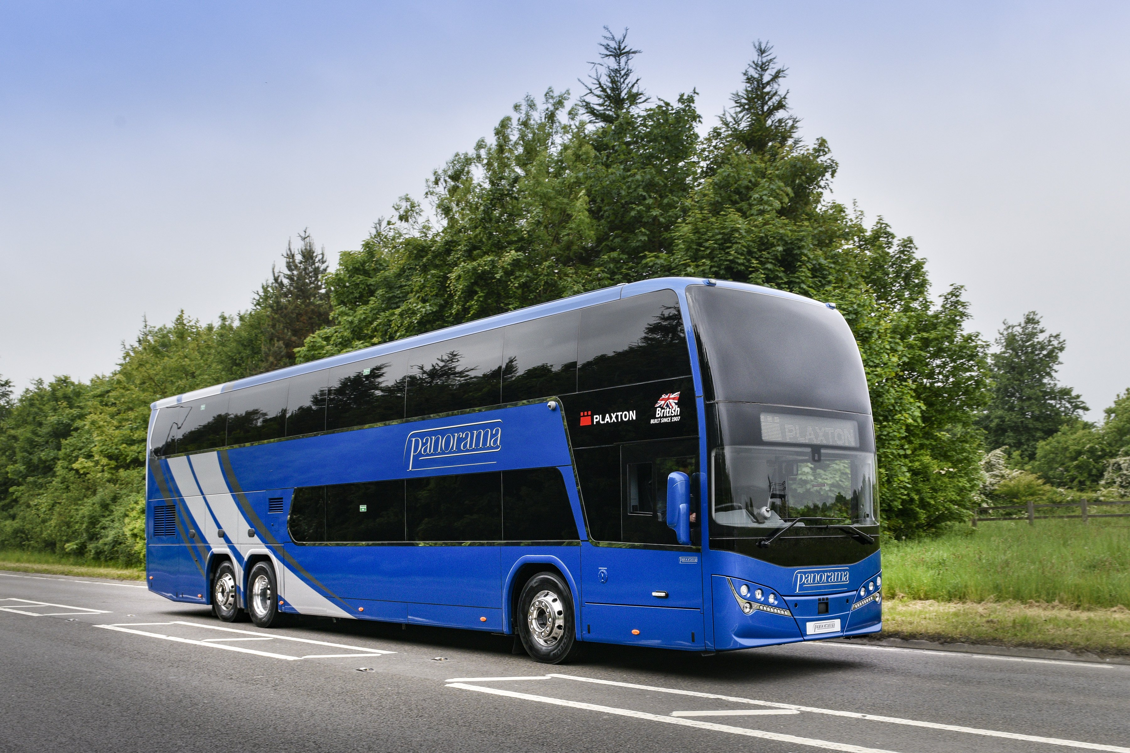 Plaxton adds to coach range with double deck Panorama and ...